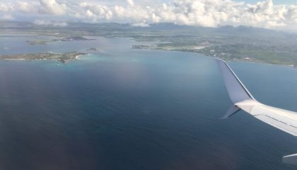 Boeing 737 Takes Off From Antigua